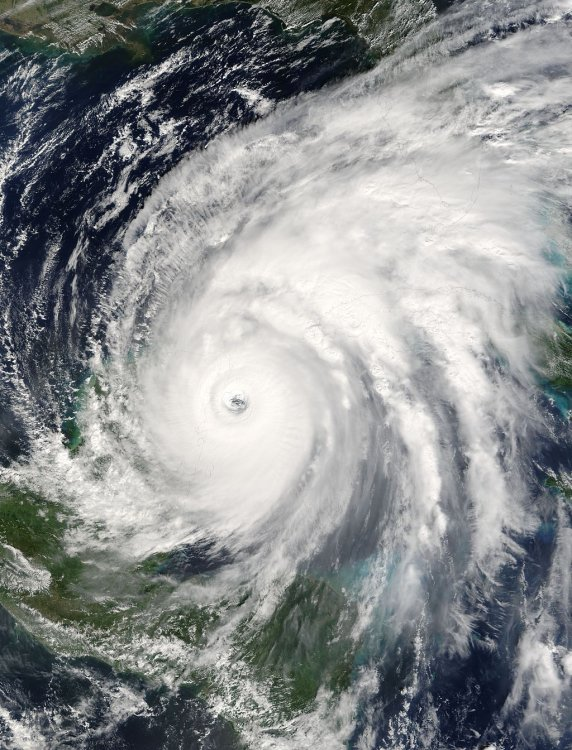hurricane_wilma_21_oct_2005_1625z.jpg