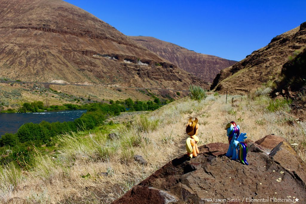 Deschutes River Canyon (South) via Macks Canyon \ Railroad Grade Hike