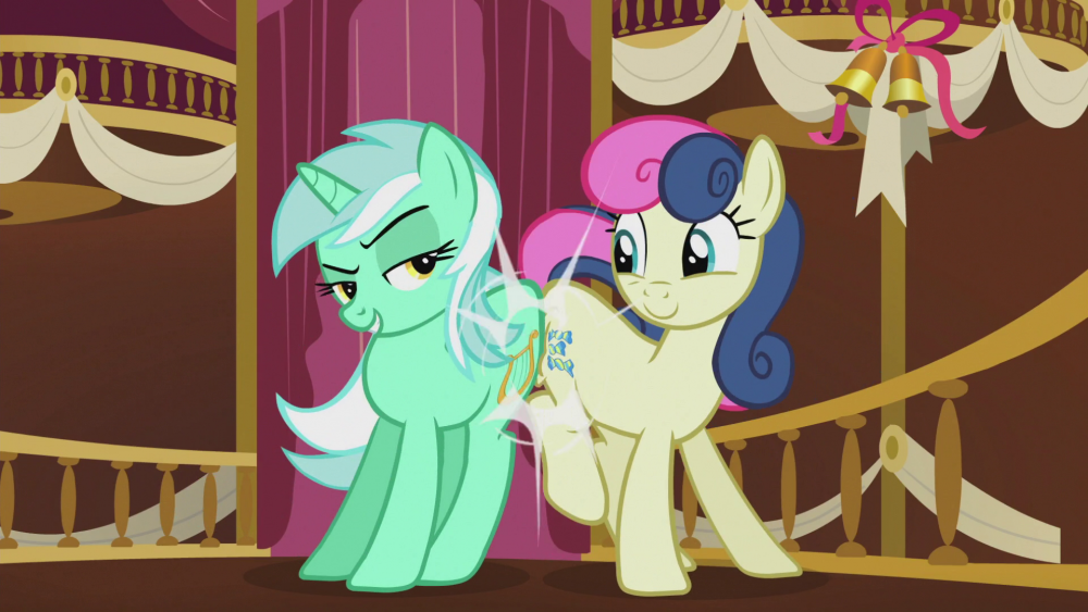 Lyra_and_Bon_Bon_sugarlump_rump_S5E9.thumb.png.9517f4343ddb5f000be33d03408e3458.png