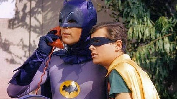 Batman-phone_Adam_West_Burt_Ward-600x336.jpg.e3d089d538fc36eab80ef7e9c831e2f3.jpg