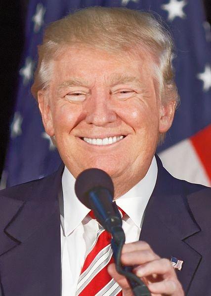 Donald_Trump_Smiling_September_13th.jpg.21e31f3e775a2ba4e72620b39c25c4ab.jpg