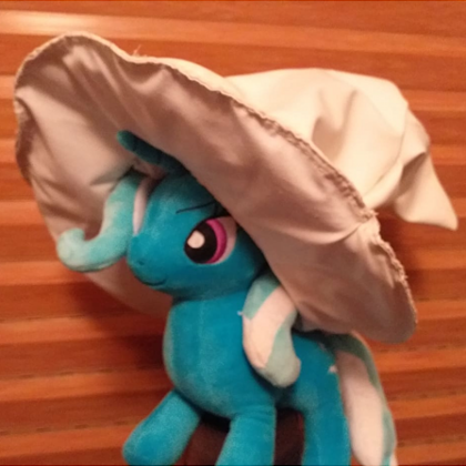 Trixiehat.png.25146c8f3bc554405232a7262afe7d52.png