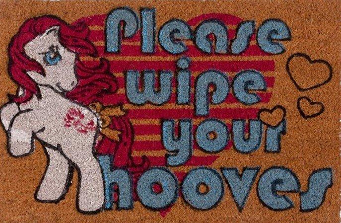 1489640760_my-little-pony-wipe-your-hooves-doormat-gs-01(2).jpg.2e0dbb99012f2d679f3fe4909c4742b1.jpg