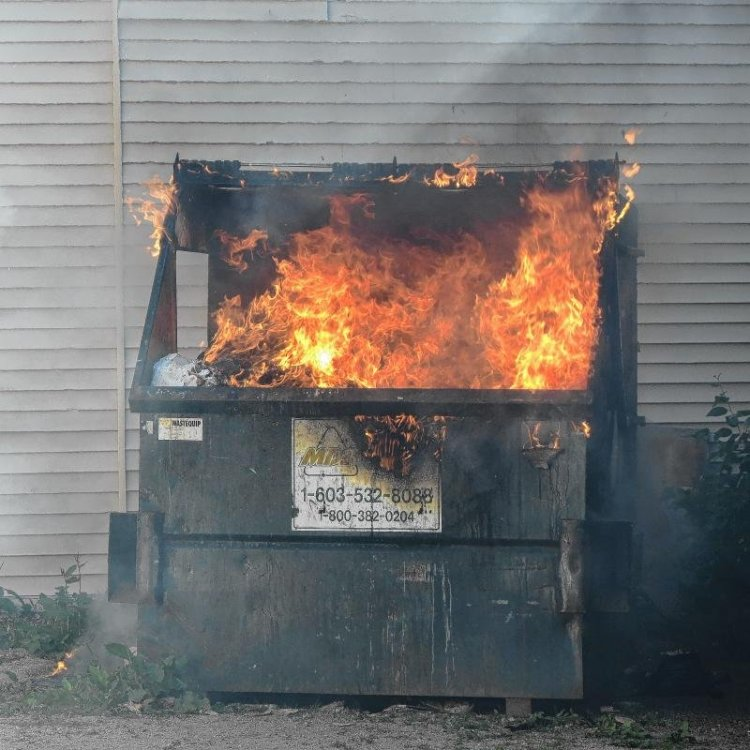 DumpsterFire2.thumb.jpg.47f86b0635bee1d6391d56ecef753c1c.jpg